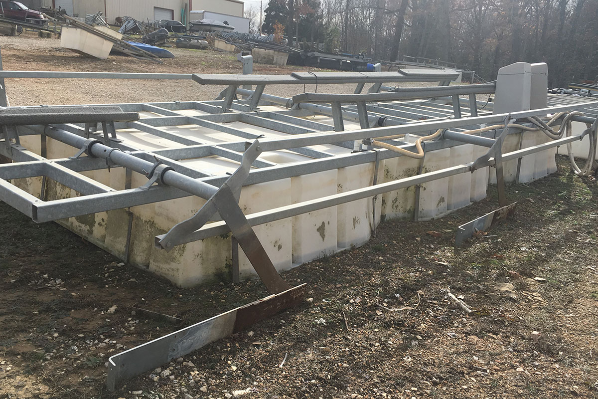 14 000 Lb Econolift Dock Dealers Used Docks Lifts For Sale At The Lake Of The Ozarks