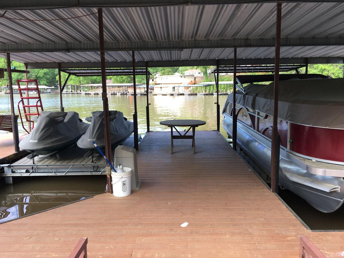 E dock-3