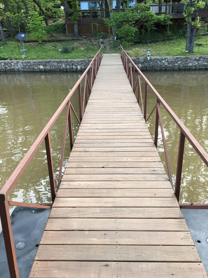 E dock-6