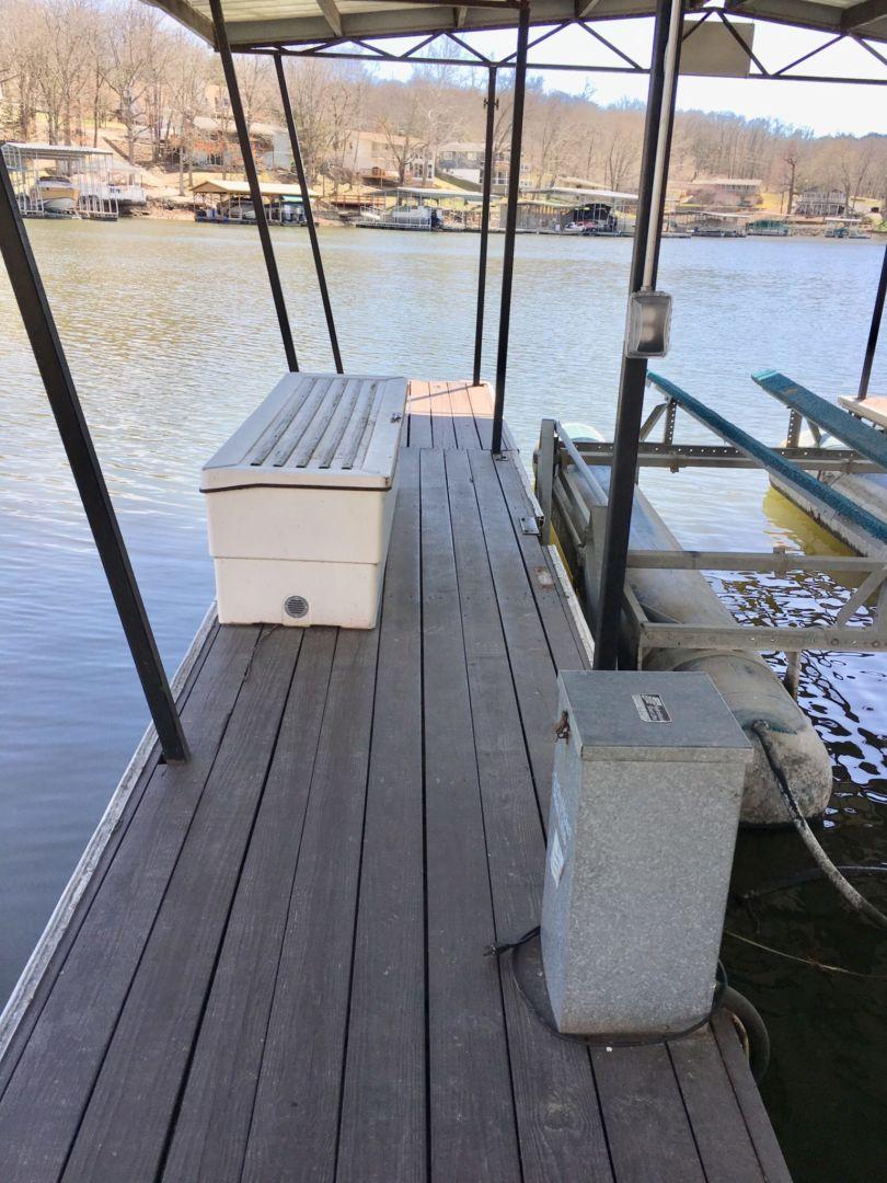 Rich dock-8