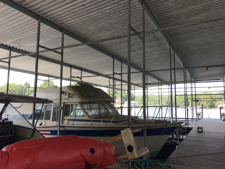 Dock 4-11
